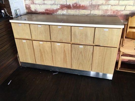 Chuyên mua bán tủ gỗ cũ không qua trung gian 1 Chuyên mua bán tủ gỗ cũ không qua trung gian, giá cả hợp lý