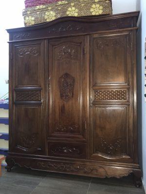 Kinh nghiệm mua tủ gỗ cũ chất lượng, giá rẻ 2 Kinh nghiệm mua tủ gỗ cũ chất lượng, giá rẻ